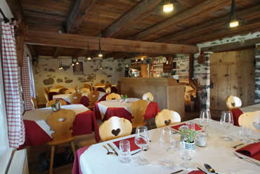 Restaurant ladin typical cuisine La Val